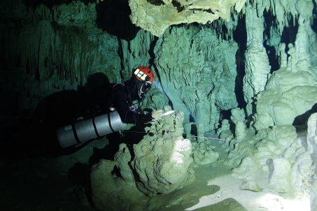 """""""Neistraženo"""" - pećinsko ronjenje"""